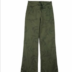 Lululemon 4 Tall army green wide leg leggings